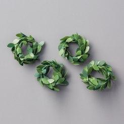 boxwood wreath embellishments